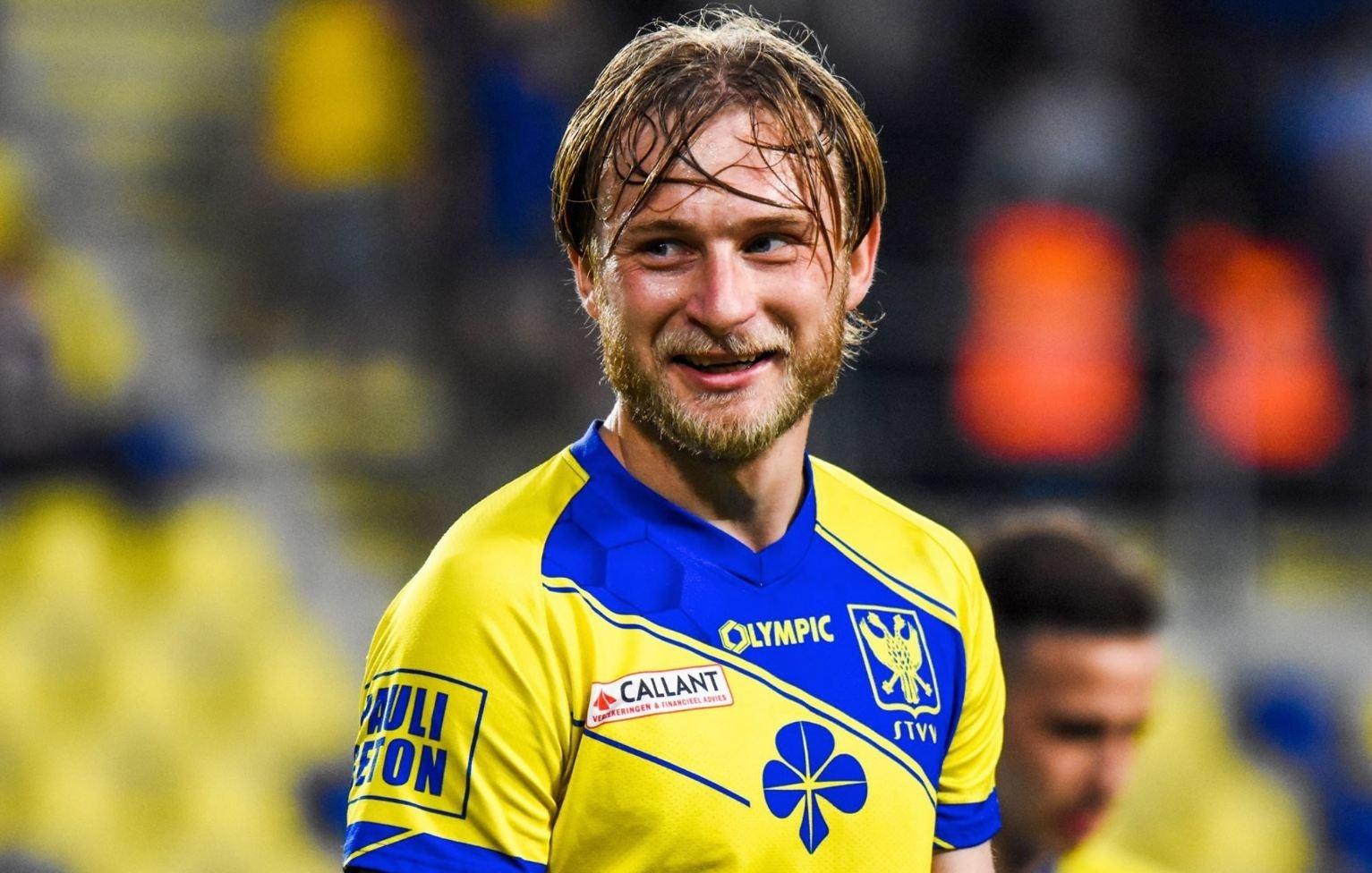 Роман Безус вряд ли перейдет в Антверпен после проблем, возникших в ходе  переговоров - Телеканал Футбол