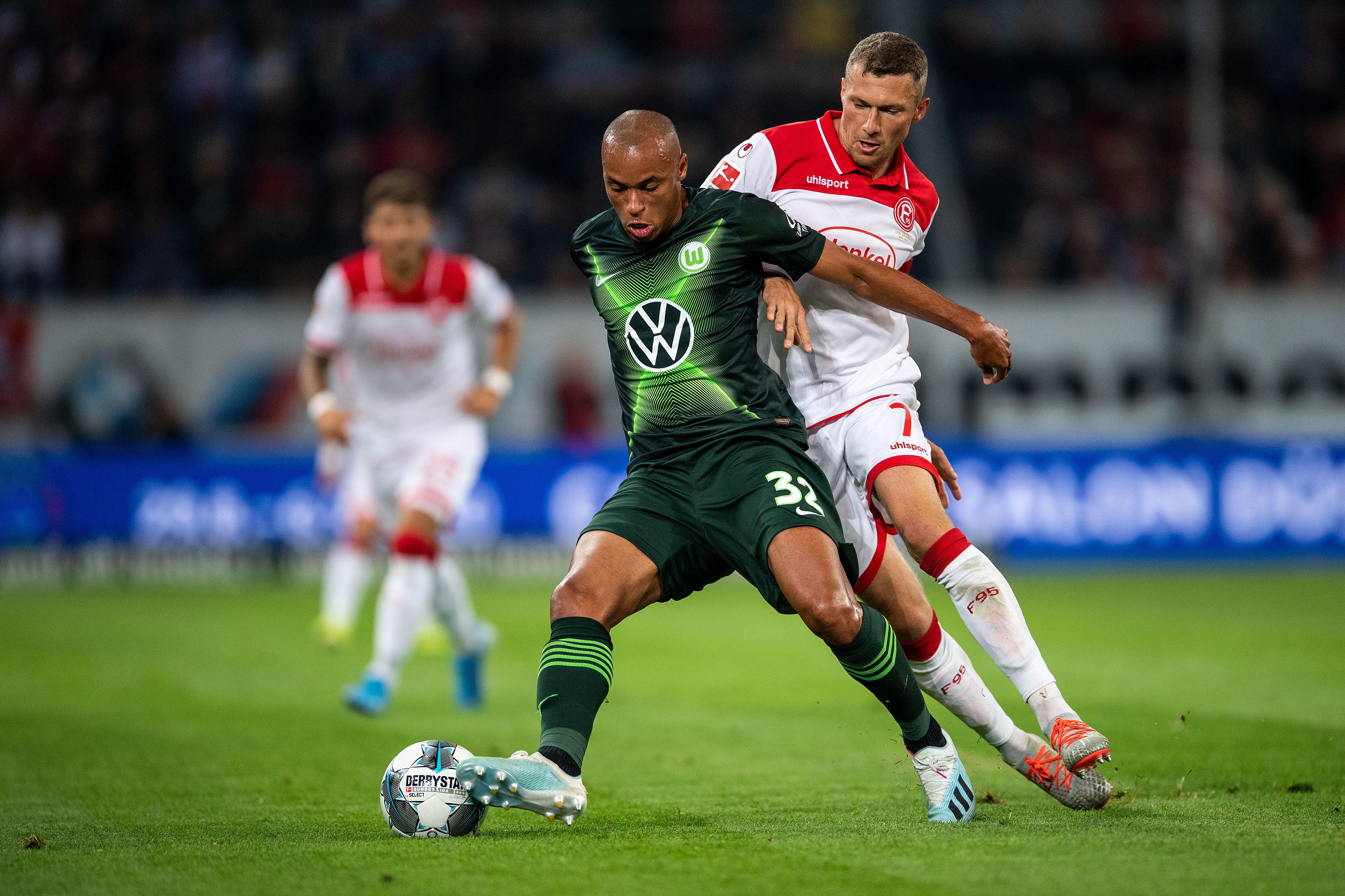Смотреть футбол прямая трансляция гамбург вольфсбург